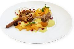 apple-raisin crumble with orange-safran mousse